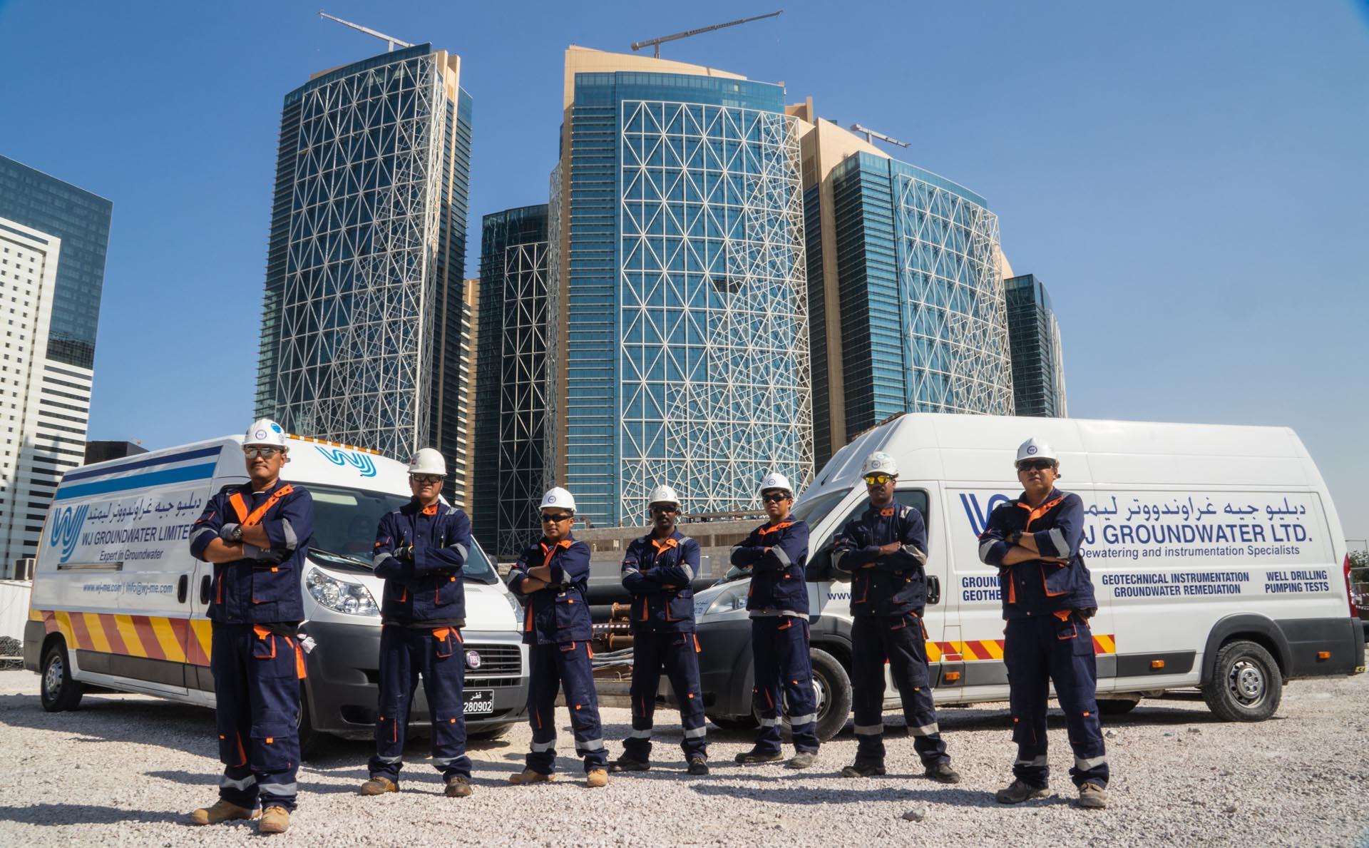 Qatar-service-crews.jpg